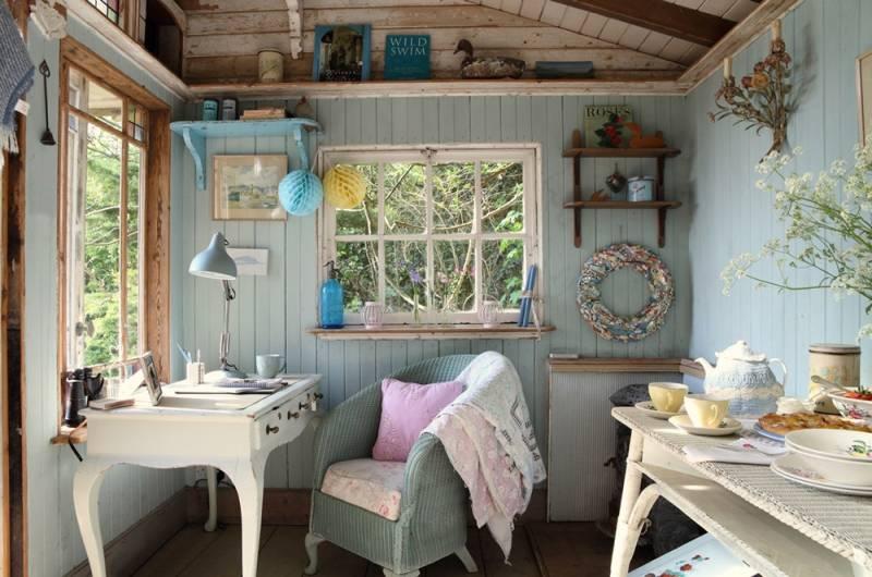 Стиль прованс в інтер'єрі маленького дачного будинку