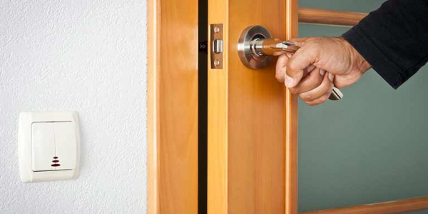 Самостійна установка міжкімнатних дверей