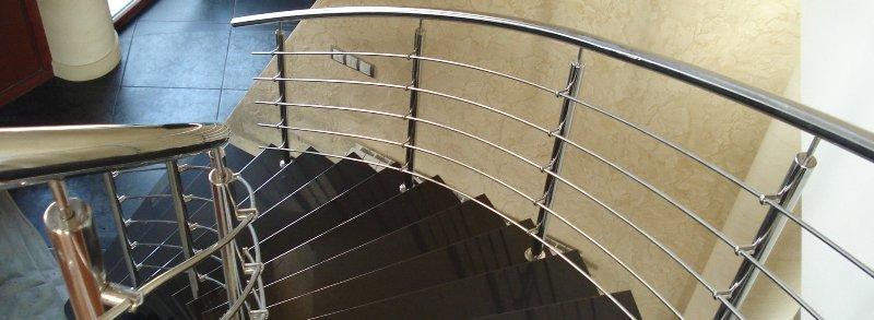 Перила для сходів: думайте нестандартно