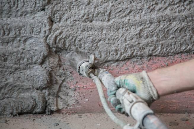 Механизированный способ штукатурки стен