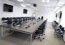 Зал для организации тренинга или семинара