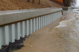 Стенка из ПВХ шпунта разграничит воду и сушу